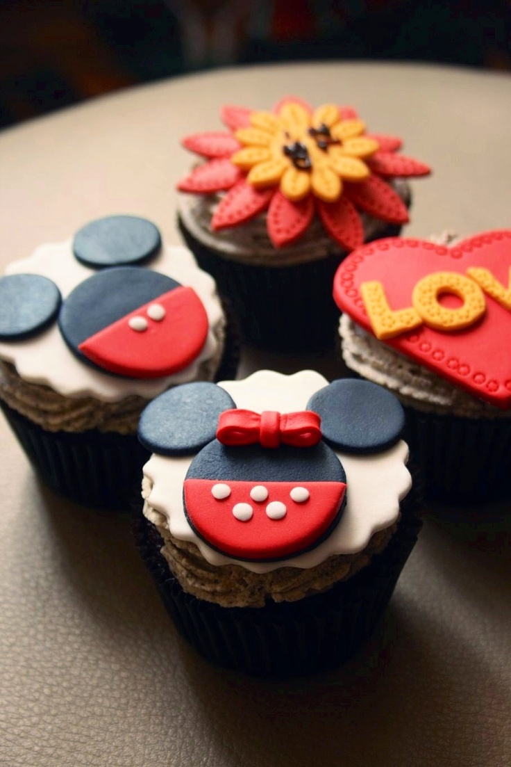 Mickey Mouse Cakes And Cupcakes