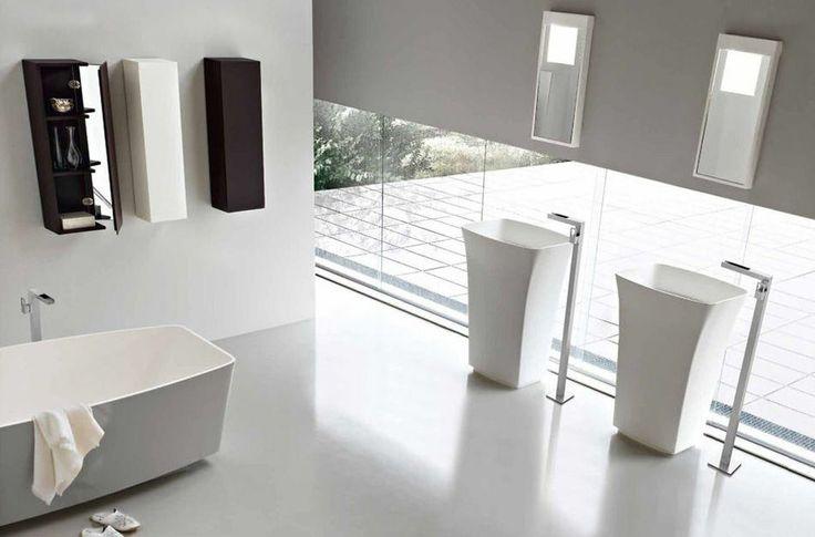 Moderní designová koupelna v bílém provedení od Toscoquattro, více na: http://www.saloncardinal.com/bathrooms/galerie-toscoquattro