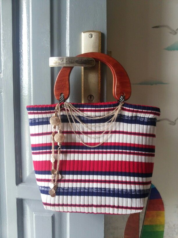 Handbag from recycle old sweater