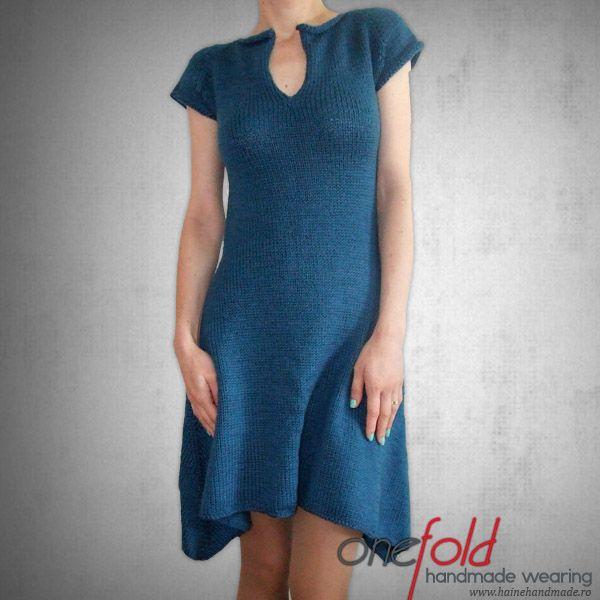 rochie lunga in parti lucrata de mana