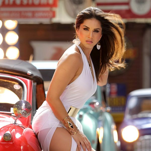 Sunny Leone's jaw dropping sexy picture'