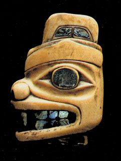 Tlingit or Haida dagger pommel with bear-like head, ca.1860-80 | Fenimore Art Museum