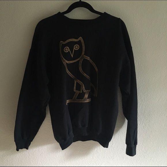 Black and Gold OVO Owl Drake Sweatshirt Not official OVO merchandise, but still a good quality crew neck sweatshirt. Mens size medium. •20% OFF ALL BUNDLES• Brandy Melville Sweaters Crew & Scoop Necks