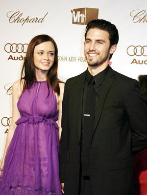 Milo Ventimiglia and Alexis Bledel from Gilmore Girls It broke my heart when Rory and Jess broke up on Gilmore Girls and it broke my heart even more when Milo Ventimiglia and Alexis Bledel broke up in real life. Ugh. Why can't this perfect couple just exist everywhere? They dated for over three years after meeting on Gilmore Girls. Seriously, I'm depressed right now. Source: Sue Schneider/Shooting Star/ WEN