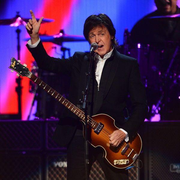 """Paul McCartney defende Miley Cyrus: """"já vimos coisas piores"""": http://rollingstone.uol.com.br/noticia/paul-mccartney-defende-miley-cyrus-ja-vimos-coisas-piores/ …"""