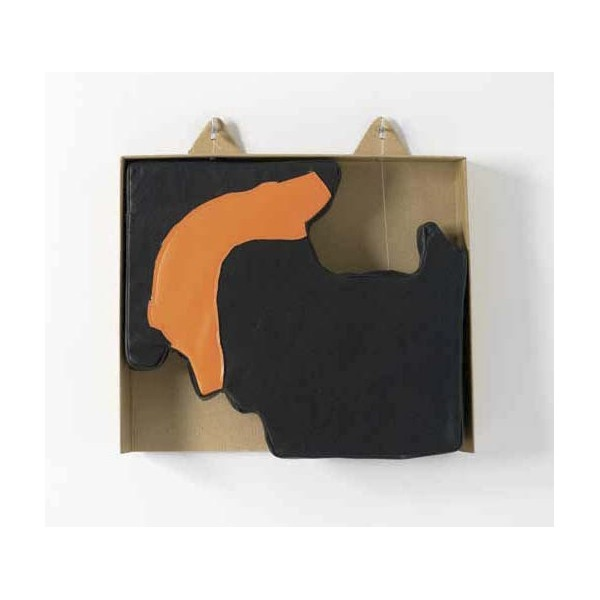 Ensamblaje. Serie Leatherscape. Ficha Técnica: Cerdo Flor negro y Sintético Naranja, cosido a máquina relleno de foam. En caja de cartón sujeto con hilo de pescar, alcayatas y cierres de aluminio. Medidas: 35 x 35 x 05 cm Año: 2012 http://moolacool.com/es/221-juan-fuster-04-serie-leatherscape-ensamblaje.html