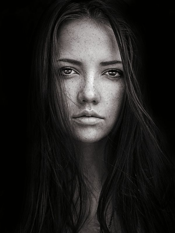 Stanislav puchkovsky aka sean archer is a master of natural light portraits