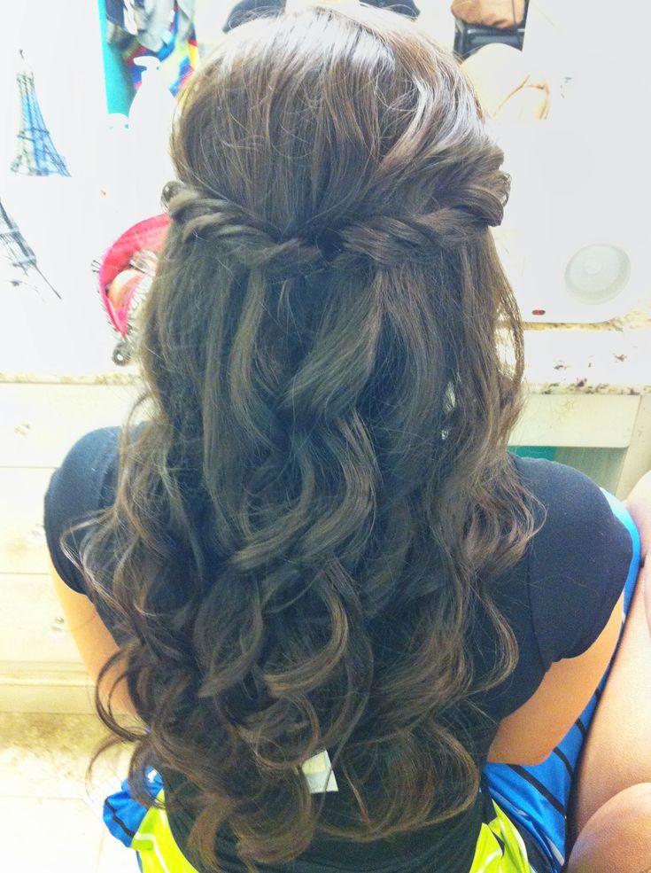 Half up-Curls down by Stephanie Brinkerhoff. She's so talented --> pr mariage eve jm