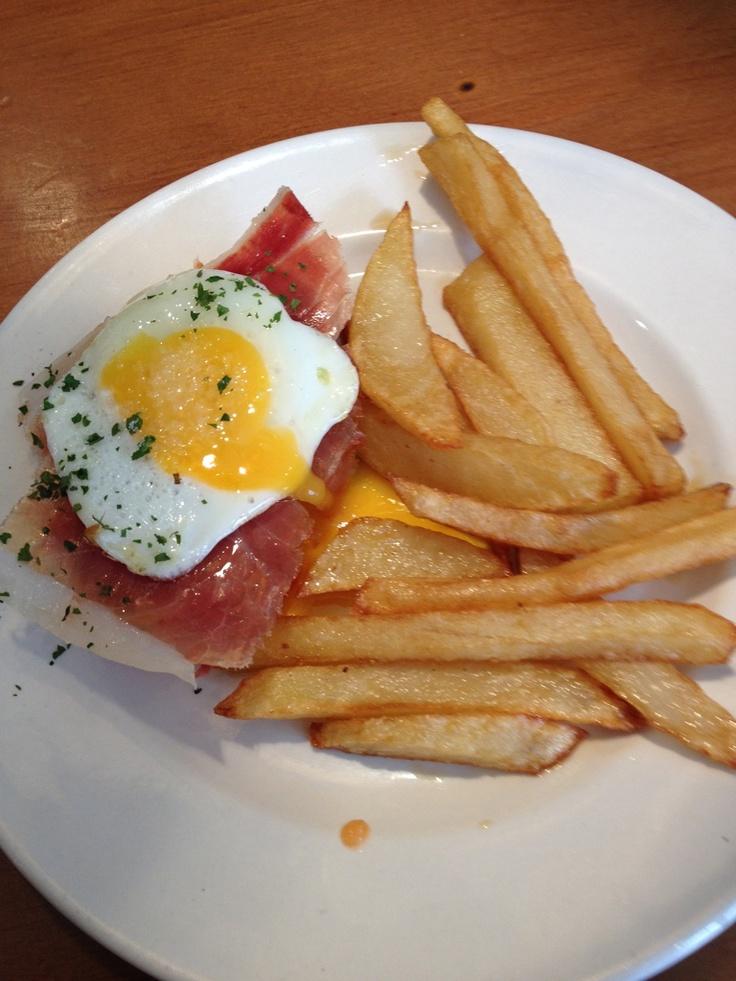 Tipical Spanish food. Fried potatoes and eggs, Ham.... #marenostrumgourmet