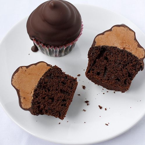 chocolate. chocolate. chocolate: Butter Cupcakes, Chocolates Cakes, Chocolates Peanut, Chocolates Cupcakes, Hi Hats Cupcakes, Chocolates Dips Cupcakes, Peanut Butter, Minis Cupcakes, Cupcakes Rosa-Choqu