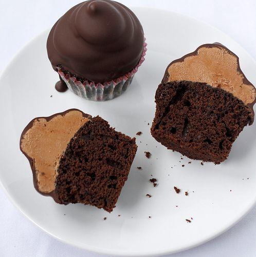 chocolate. chocolate. chocolate: Chocolates Dips Cupcake, Cupcake Rosa-Choqu, Chocolates Peanut Butter, Chocolates Cakes, Chocolates Cups, Chocolates Covers, Butter Cupcake, Hi Hats Cupcake, Chocolates Cupcake