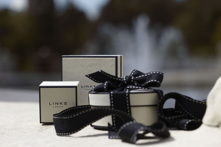 At Links of London we love presentation and all of our items are tissue wrapped, pouched, boxed, ribboned and bowed, preserving that element of mystery and indulgence.