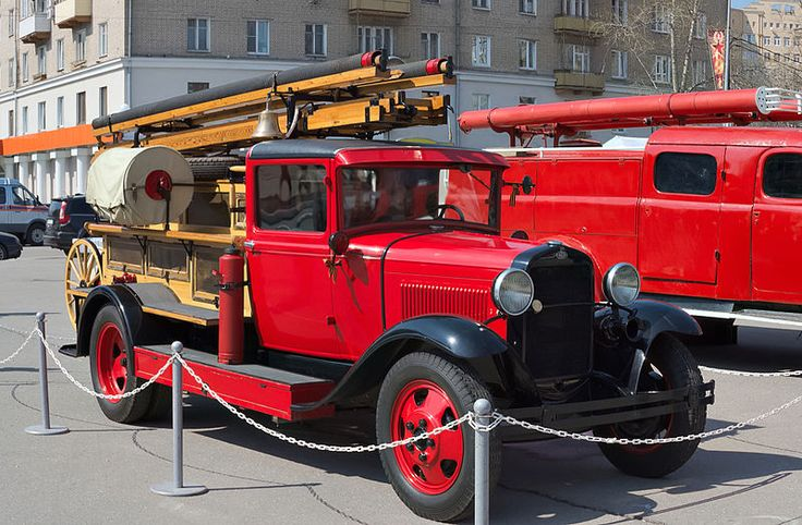 A Soviet PMG-1 fire engine based on a GAZ-AA truck (production: 1932—1941). Photo by Dmitry Ivanov. 2015. #1930s #automobile #firetruck #oldtimer #oldtruck