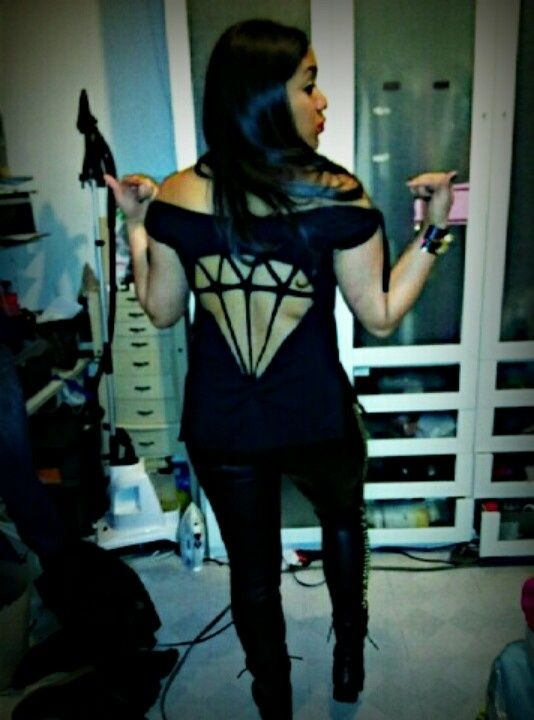 20 T Shirt Cutting Ideas   Glam Bistro Love It Cuz It Looks Like Dimond  Supply