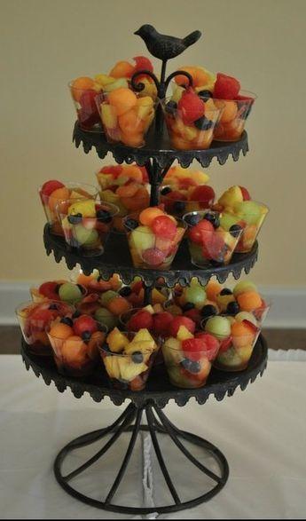 Het tafelfruit... Super leuk voor een feest ... kleine schaaltjes met fruit of groenten ... Lekker gezond en mooi voor de ogen !