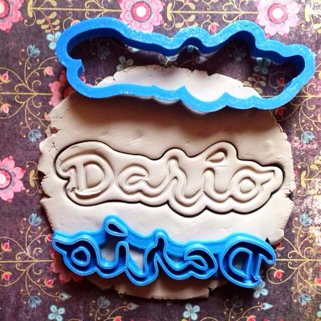 Molde para galletas para Darío, personalizado con caligrafía.