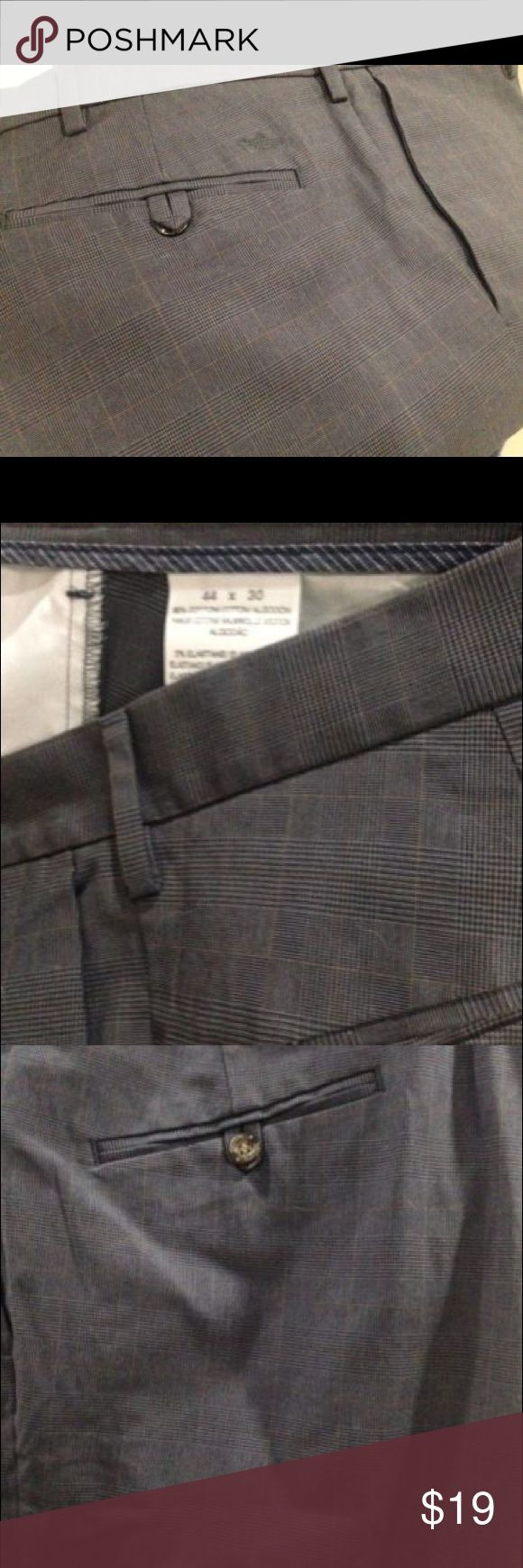 Docker's Men's Gray Patterned Pants, Size 44x40 Preowned Patterened Docker's Mens Pants - Size 44x40. Color is Gray/Charcoal with a stripped pattern - view pictures. Dockers Pants Dress