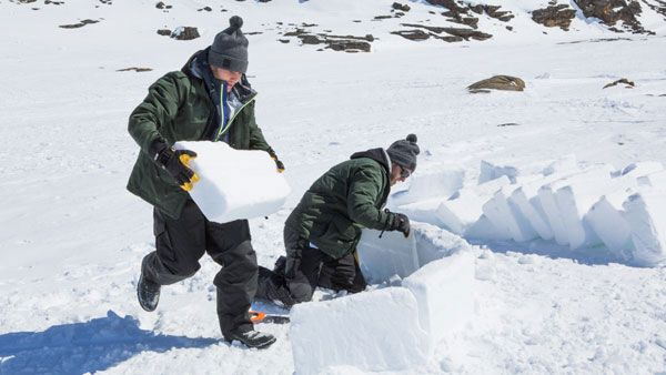 #RaceCDA contestants #jetanddave face icy challenges in Iqaluit, NU! #CTV