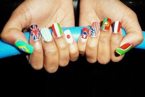 nail art beautiful.Can you say Hetalia?