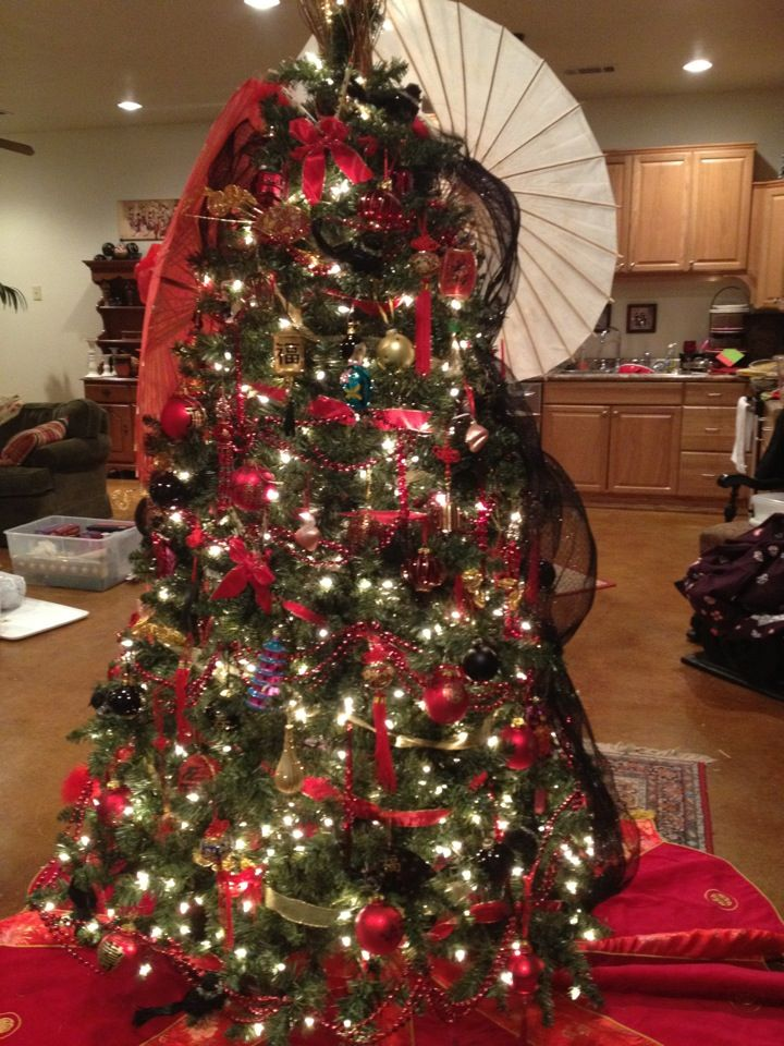 Pictures Of Christmas Trees Decorated With Mesh. Asian style