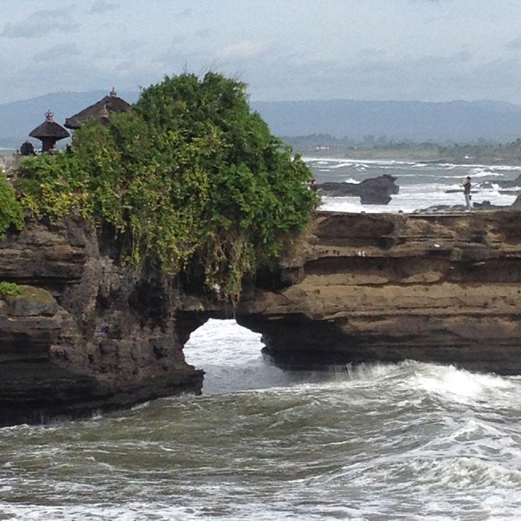 Batu Bolong, Tanah Lot