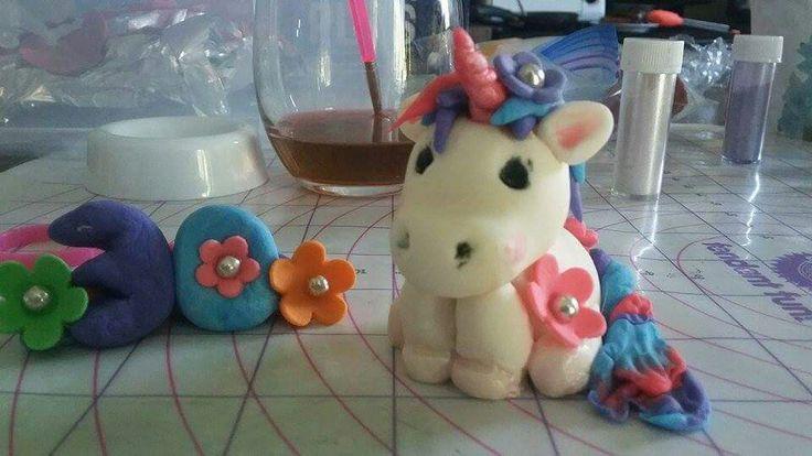 Fondant, gumpaste unicorn