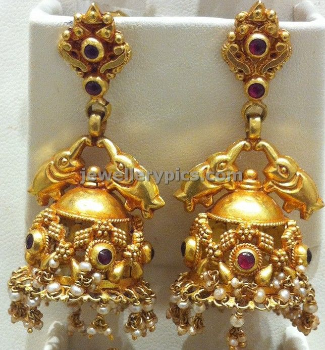 5 Exquisite gold Jhumka temple designs at Nalli jewellers store - Latest Jewellery Designs