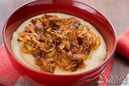 Receita de Purê de batata com cebola caramelizada em receitas de molhos e cremes, veja essa e outras receitas aqui!
