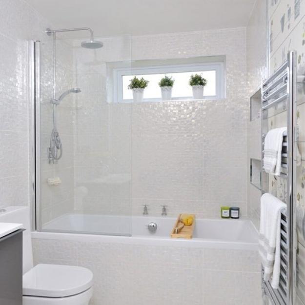 25 Badezimmer-Umbau-Ideen, die kleine Räume in helle, bequeme Innenräume umwandeln