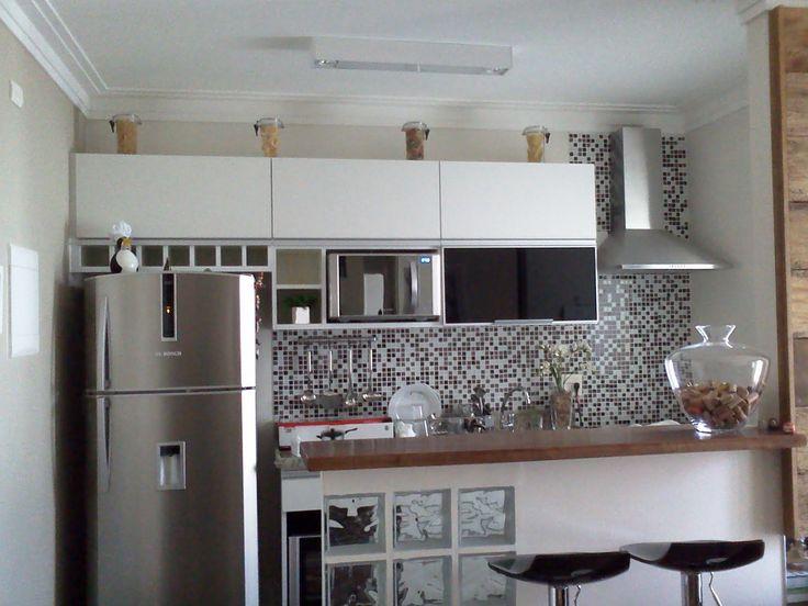 cozinha americana pequena com janela e porta - Pesquisa Google