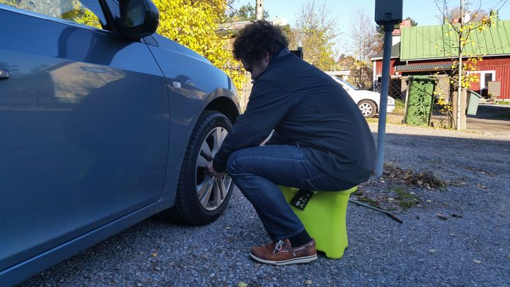 Changing tires on car is so easy with SASA! Made in Finland.