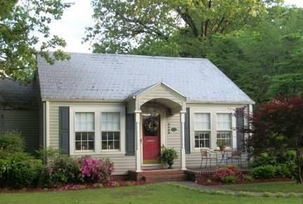 Adorable 1930s Bungalow Love The Little Covered Porch