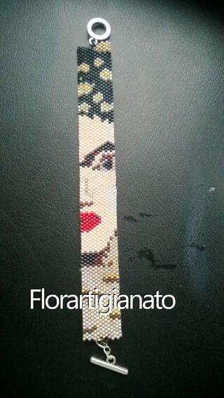 Bracciale a fascia Frida Khalo tessuto a mano al peyote con delica