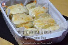 I Finocchi gratinati con mozzarella al forno sono un contorno leggero ma saporito, reso particolarmente sfizioso dalla mozzarella filante.