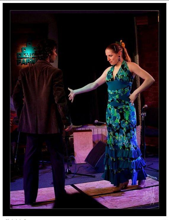 Rýchlokurz Flamencového Tanca a Rytmiky  V rytme klusu španielskeho plnokrvníka, hrdo a s ľahkosťou vytancujete tajný, doteraz neobjavený kúsok svojej duše. Postupne odhalíte tajomstvá flamencového interpretačného mystéria a dozviete sa o silnom vplyve španielskych cigánskych tradícií na súčasnú podobu tohoto nádherného umenia.
