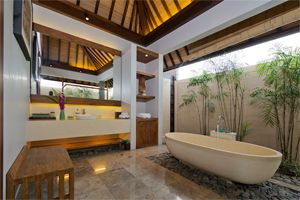 Bali luxury private Villa Canthy is juat a perfect holiday retreat. The Villa sits within the last remaining rice terraces of Seminyak affording the holidaymaker a spectacular assortment of rich hues as the season progresses. Whilst this Villa is in a peaceful location it is still within easy reach of the fashionable areas of Seminyak and just 400Mtrs of one of Bali's best beaches.
