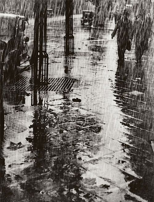 Dr. Paul Wolff & Alfred Tritschler Strasse Im Regen, 1925.: Alfred Tritschler, Rainy Night, Rainy Day, Tritschler Strass, Raindrop, Awesome Photography, Black, Rain Photography, Paul Wolff