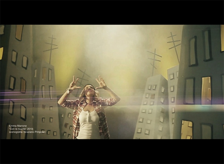 "video clip - Emma ""Con le nuvole""  http://www.youtube.com/watch?v=MbYNMTG9VNo"