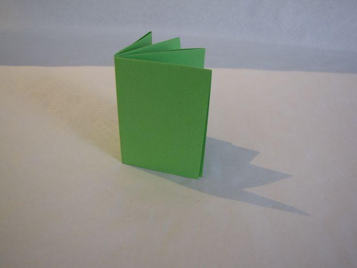 Boekje vouwen uit een A4 papier - Creatief en Simpel - Download de gratis werkbeschrijving op onze site