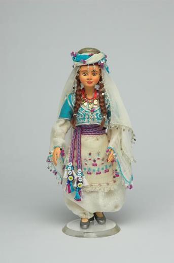 Farklı kostümleriyle Elif Bebek