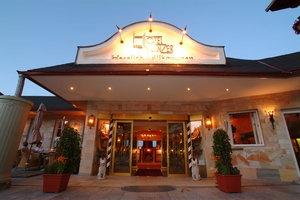http://www.hotel-winzer.at  4-Sterne Hotel Winzer in St. Georgen im Attergau.