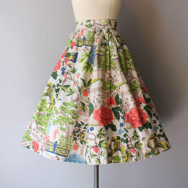 Prachtige, kleurrijke, jaren 1950 nieuwigheid print rok in een zware barkcloth…