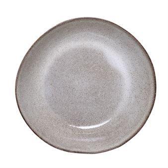 Den djupa tallriken Sandrine från Bloomingville är tillverkad i rustik keramik som blir riktigt fint tillsammans med en läcker pastarätt eller sallad. Rustik keramik är bland det trendigaste du kan äta på just nu, dessutom är det väldigt fint att duka med. Eftersom alla delar är handgjorda blir dukningen väldigt levande!