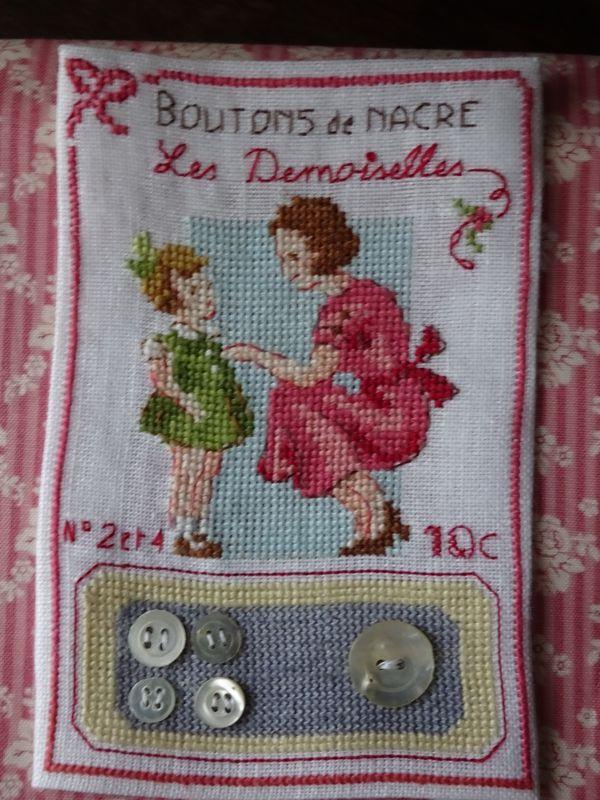Les trois derniéres cartes à boutons des Histoires à boder -chezmariefil.canalblog.com