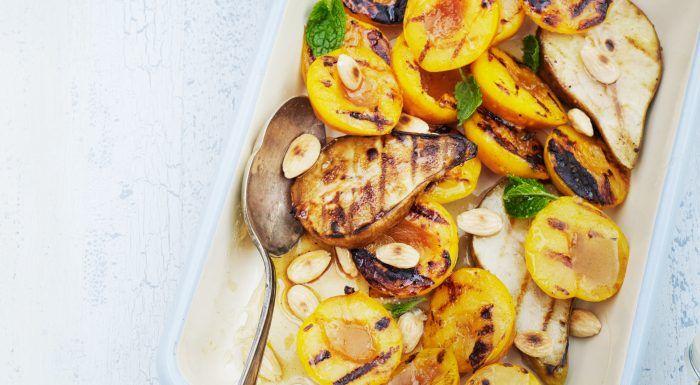 Aprikoser och päron med vaniljsirap