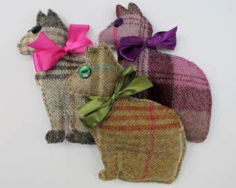 Cat Lavender Sachet in Tweed, Dried Lavender Bag in 3 Colours, Tweed Gift, Teacher Gift, Gift for Women, Lavender Cat, Cat Owner Gift