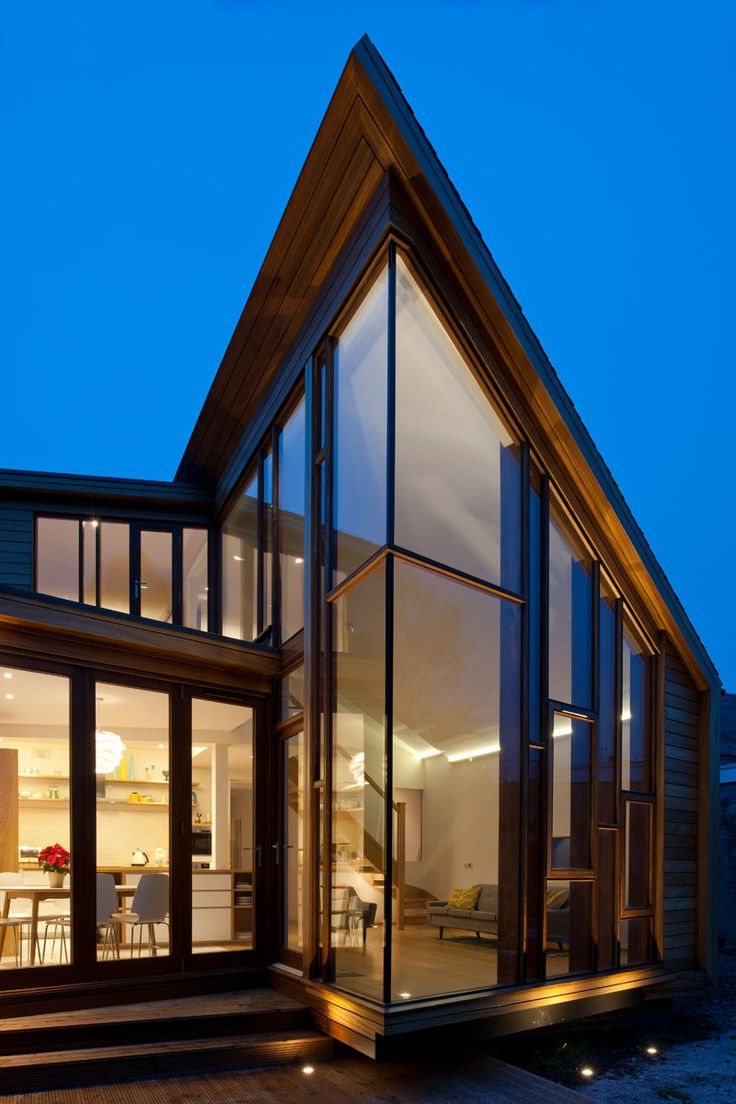 Family Home Extension in Edinburgh Features Glass Walls - http://freshome.com/family-home-extension-Edinburgh/
