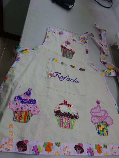 LABORES DE LILIANA: DELANTAL CUPCAKE