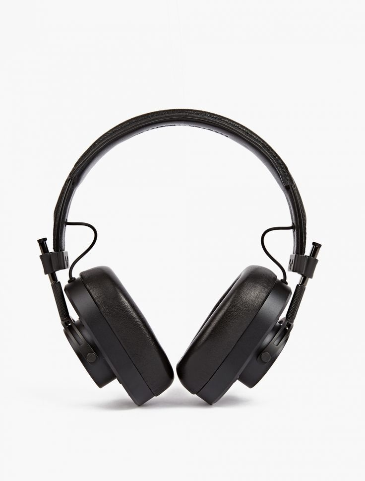 The Master & Dynamic MH40 Headphones, seen here in black.  New to oki-ni for AW16, Master & Dynamic's range of headphones fuse rich, clean sound with luxurious contemporary design. This particular over-ear style is crafted from premium aluminium with stainless steel components throughout. They feature detachable lambskin memory foam ear pads, 45mm neodymium drivers and an attached remote and microphone for iOS devices.