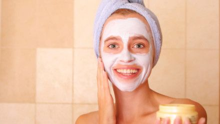 Nejlepší domácí pleťové masky pro suchou a citlivou pleť